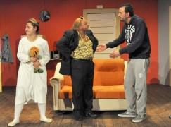 """Al Teatro Politeama commedia in vernacolo napoletano """"Tutta colpa di Moana"""""""