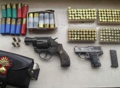 Rinvenute e Reggio Modena armi, droga e munizioni. 2 arresti