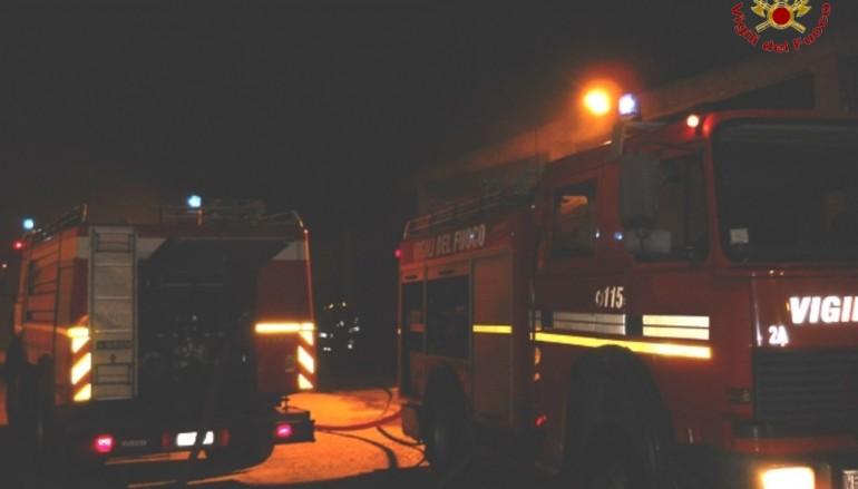 Reggina-Messina, incendiato l'autobus della squadra