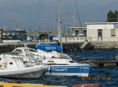 Reggio Calabria, aliscafo si arena sugli scogli