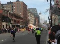 Tragedia a Boston durante maratona, morti e feriti per esplosione bombe