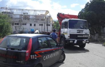 Reggio Calabria, smontano capannone industriale ma non sono operai bensì ladri