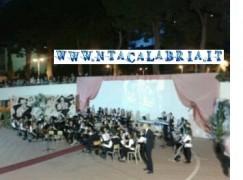 """Successo per il Concerto di fine anno dell'IC """"De Amicis"""""""