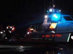 Affonda barcone nel Canale di Sicilia, 2 morti. Avvistato altro barcone nel Mar Ionio