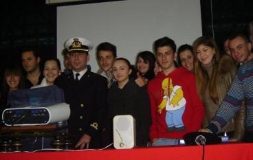 Castrovillari (CS), la Guardia Costiera e l'ANMI incontrano gli studenti