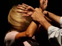 Oppido Mamertina, picchia la convivente per futili motivi: arrestato