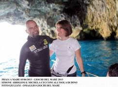 Giochi del Mare 2013, Arrigoni alla Grotta Azzurra chiede alla compagna di sposarlo