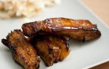 Costine di maiale caramellate