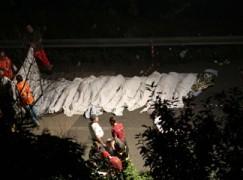 Tragedia in Irpinia, bus in scarpata sulla Napoli-Bari, 38 morti