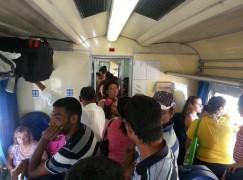 Disagi su treni in Calabria, passeggeri come tonno in scatola
