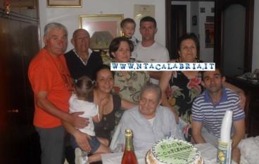 Bagaladi (RC), nonno Pietro Anghelone ha festeggiato 106 anni