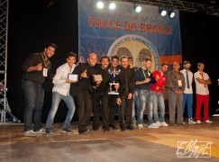 """Successo per la 1^ edizione del Festival del cabaret """"Facce da Bronzi"""""""