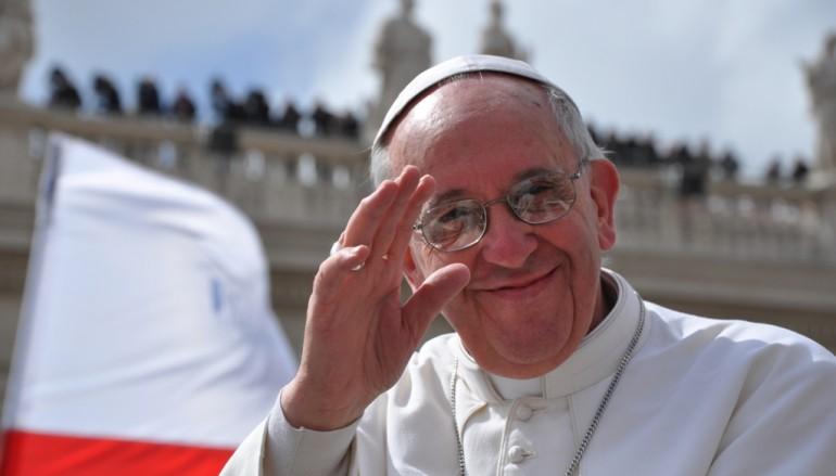 Papa Francesco ricorda il piccolo Cocò durante l'Angelus