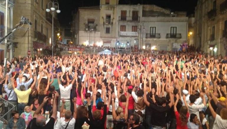 Kaulonia Tarantella Festival, bagno di folla per Cavallaro e Antonella Ruggiero