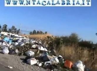 Montebello Jonico (Rc), rifiuti a cielo aperto. Il video