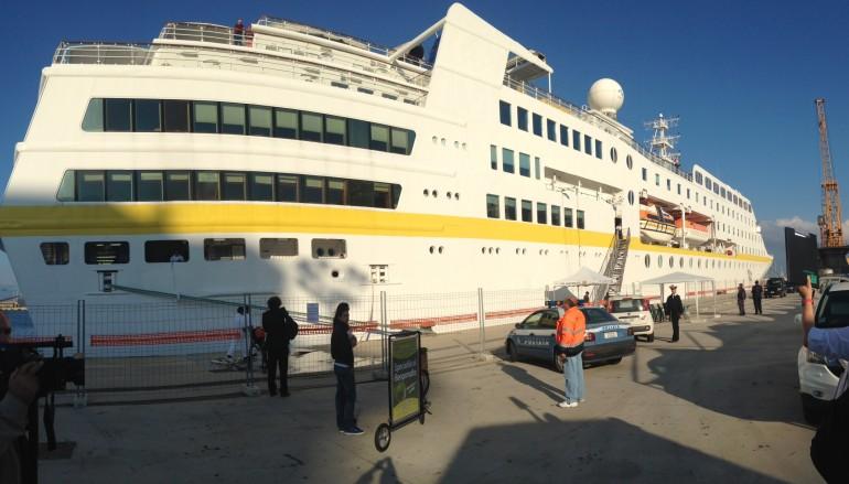 """Il Presidente Scopelliti ha presenziato all'arrivo della Nave da crociera """"Ms Hamburg"""""""