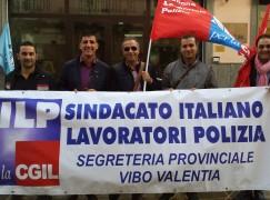 Vibo Valentia, le Forze dell'Ordine manifestano contro i tagli del Governo