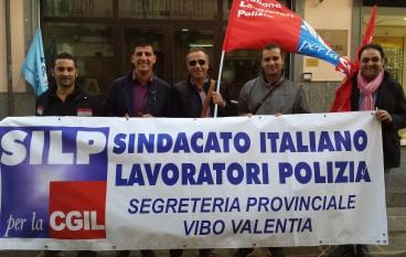 Politica dei tagli, manifestazione dei Sindacati di Polizia a Vibo Valentia