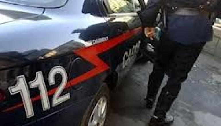 Crotone, estorsione e racket uva e castagne: diciannove arresti