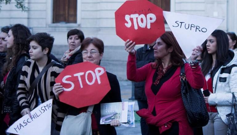 Manifestazione contro la violenza sulle donne a Reggio Calabria, le foto