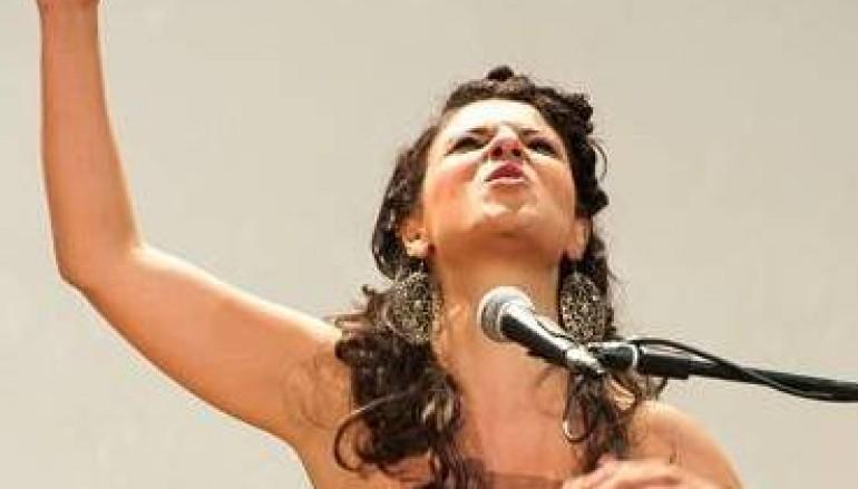 Marinella Rodà incanta il pubblico al Teatro Cipresseto di Reggio Calabria