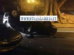 Auto ribaltata sul Lungomare di Reggio Calabria