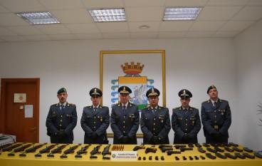 Ingente sequestro armi a Rizziconi, arrestato un responsabile