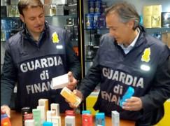 CS: Sequestrati dalla GDF circa 2000 profumi contraffatti