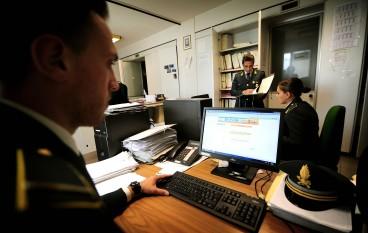 Reggio Calabria, truffe on line: decine di arresti