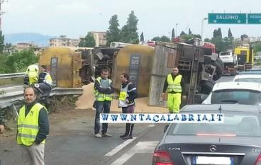 Le foto del maxi incidente sull'A3 tra Gallico e Villa San Giovanni