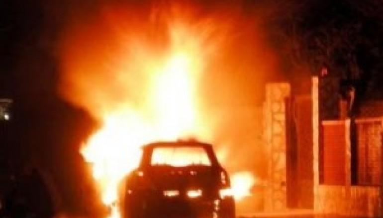 Data alle fiamme l'auto del giornalista Guido Scarpino