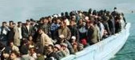 Roccella Jonica (RC), soccorsa nave con migranti
