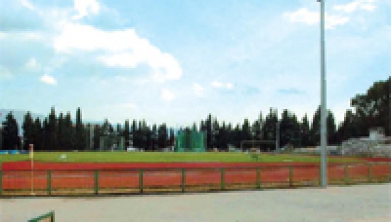 San Basile, costruzione di un campo da gioco