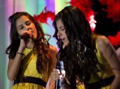 Rizziconi, Chiara e Martina Scarpari cantano al Porto degli Ulivi