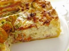 Torta rustica con zucchine e fiori di zucca