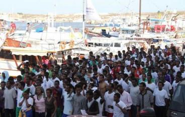 Reggio Calabria, in arrivo nave con 590 migranti