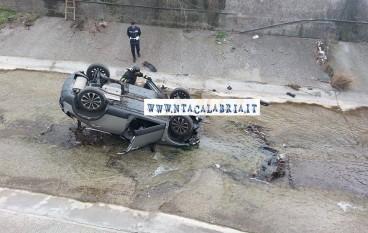 Reggio Calabria, grave incidente. Auto nel Calopinace