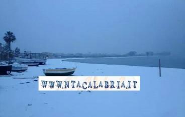 Calabria, il 2014 finisce con la neve. Le foto