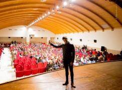 Incontro tra gli studenti dell' Itas-Itc di Rossano e l'attore Moisé Curia