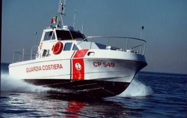 Rossano, due diportisti soccorsi dalla Guardia Costiera
