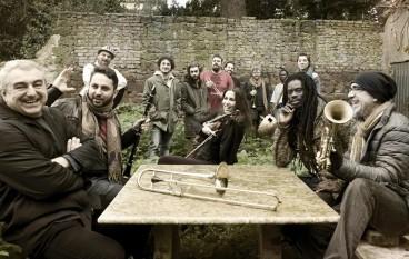La Med Free Orkestra in concerto a Caulonia