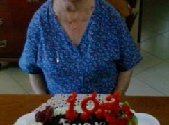 Bagaladi, la signora Anna ha fatto 102