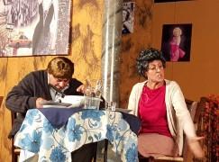 """La compagnia del """"Nuovo Teatro Aquila"""" diverte il pubblico di Fossato Jonico"""