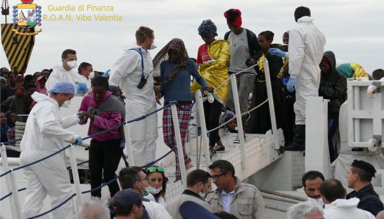 Giunti a Reggio Calabria 629 migranti: anche 45 salme
