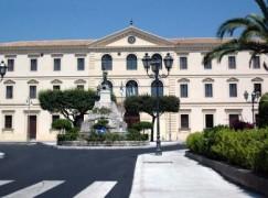 Locri, il sindaco Calabrese scrive a Falcomata'