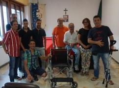 Gagliato, donata una sedia a rotelle al Comune