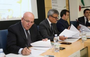 """Oliverio al convegno di Confidustria a Cosenza: """"Meridione deve dare contributo per lo sviluppo"""""""