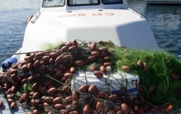 Sequestrate reti, tonnetti e pesce spada sotto misura in Calabria