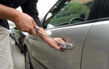 Reggio Calabria, giovani rubano auto: arrestati
