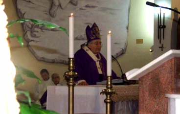 """Melito, l'Arcivescovo Morisini apre la """"Porta Santa"""""""